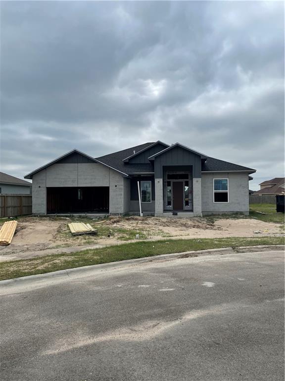 2017 Oak Creek Property Photo
