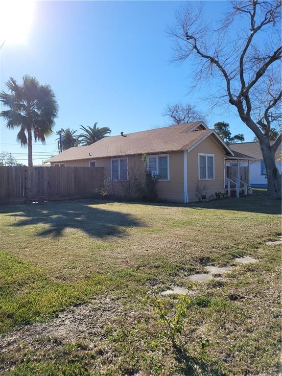 751 Houston Street Property Photo