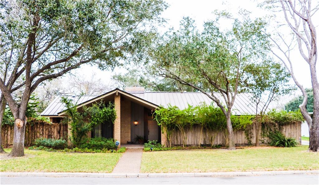 216 N University Boulevard Property Photo
