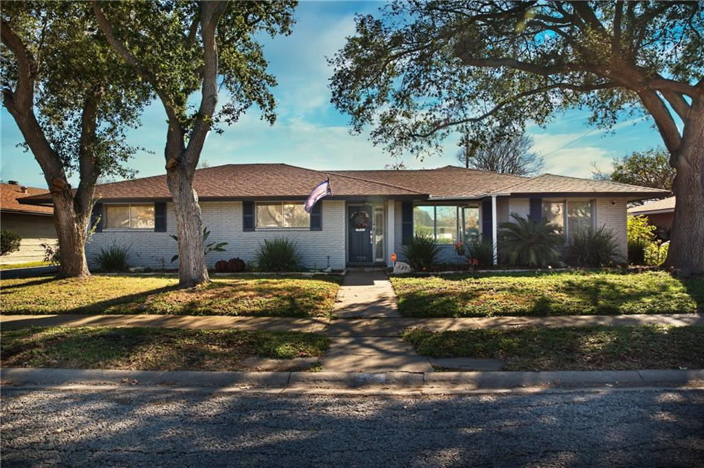 729 Meadowbrook Drive Property Photo