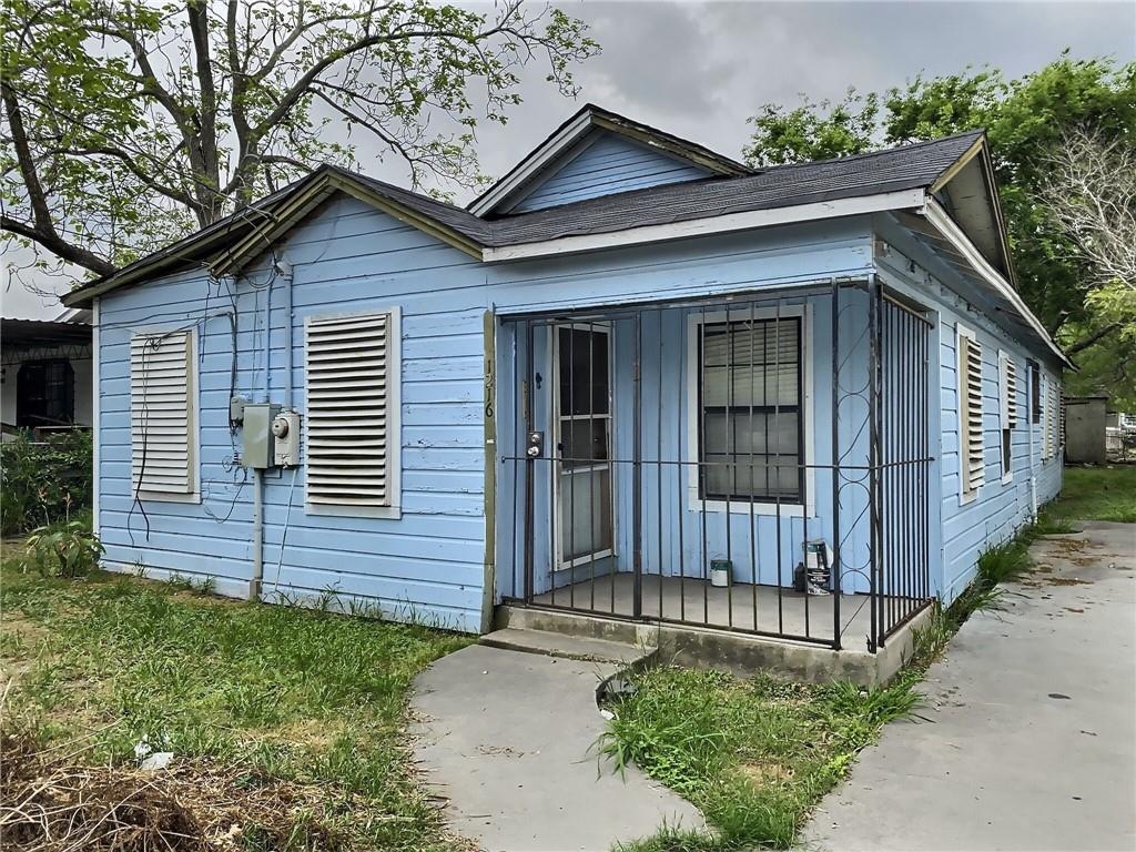 1216 Kansas Street Property Photo