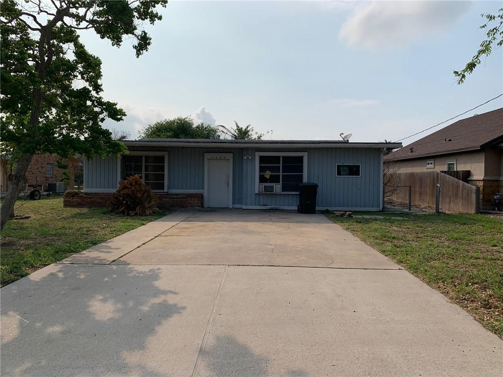 3208 Azores Drive Property Photo 1