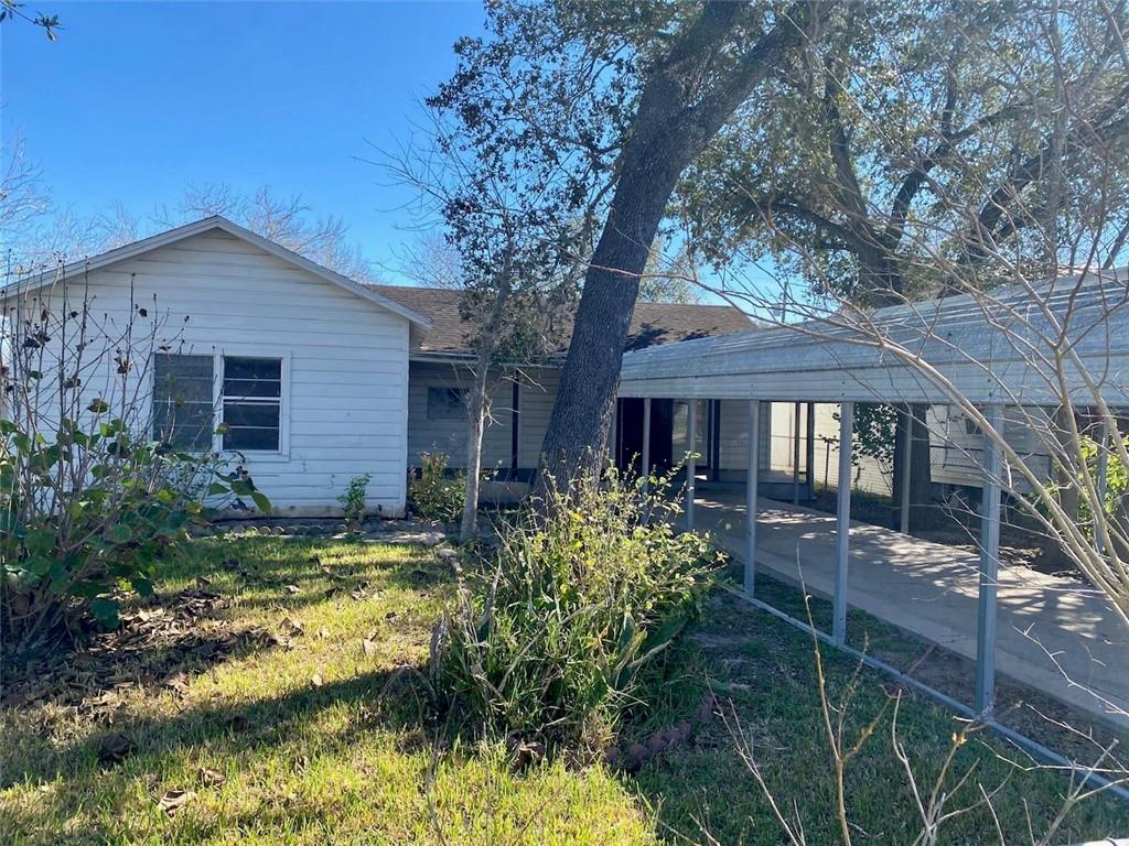 103 Fannin Street Property Photo - George West, TX real estate listing