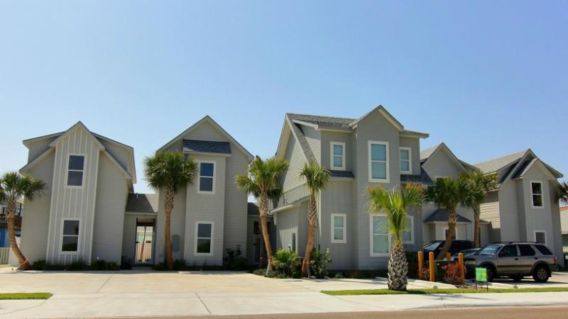 2821 Eleventh St #103 Property Photo