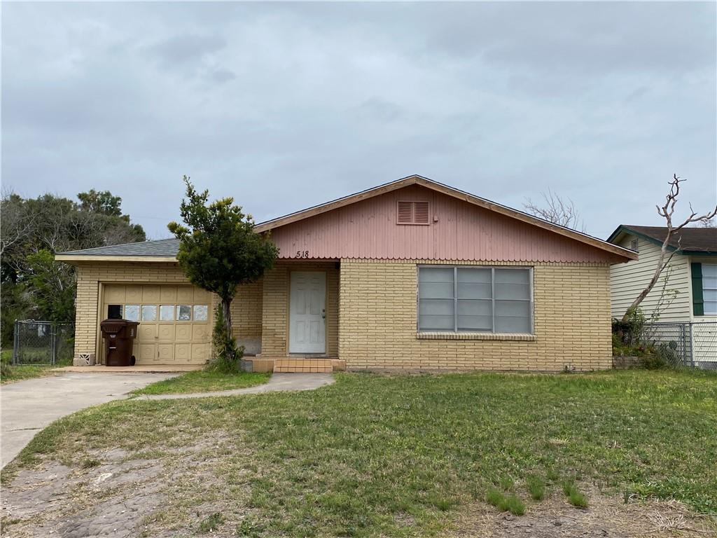 518 W D Avenue Property Photo