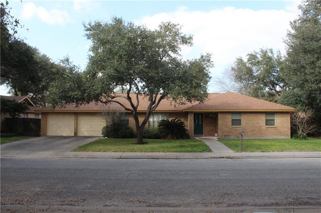 1601 Alta Vista Property Photo - Alice, TX real estate listing