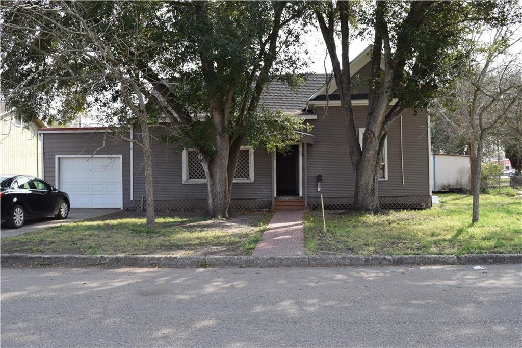 209 E Fordyce Street E Property Photo