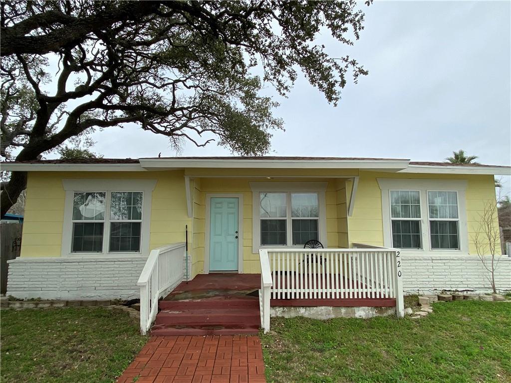 220 S Houston Street Property Photo