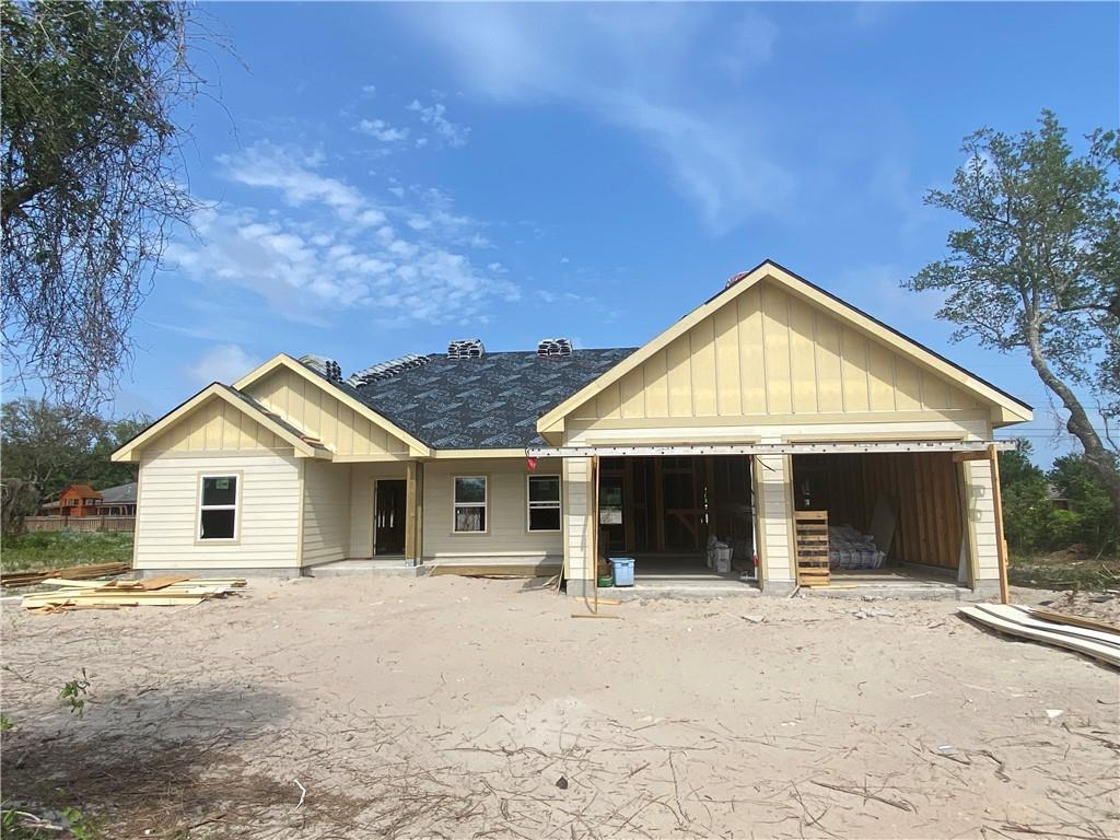 922 Redwood Avenue Property Photo