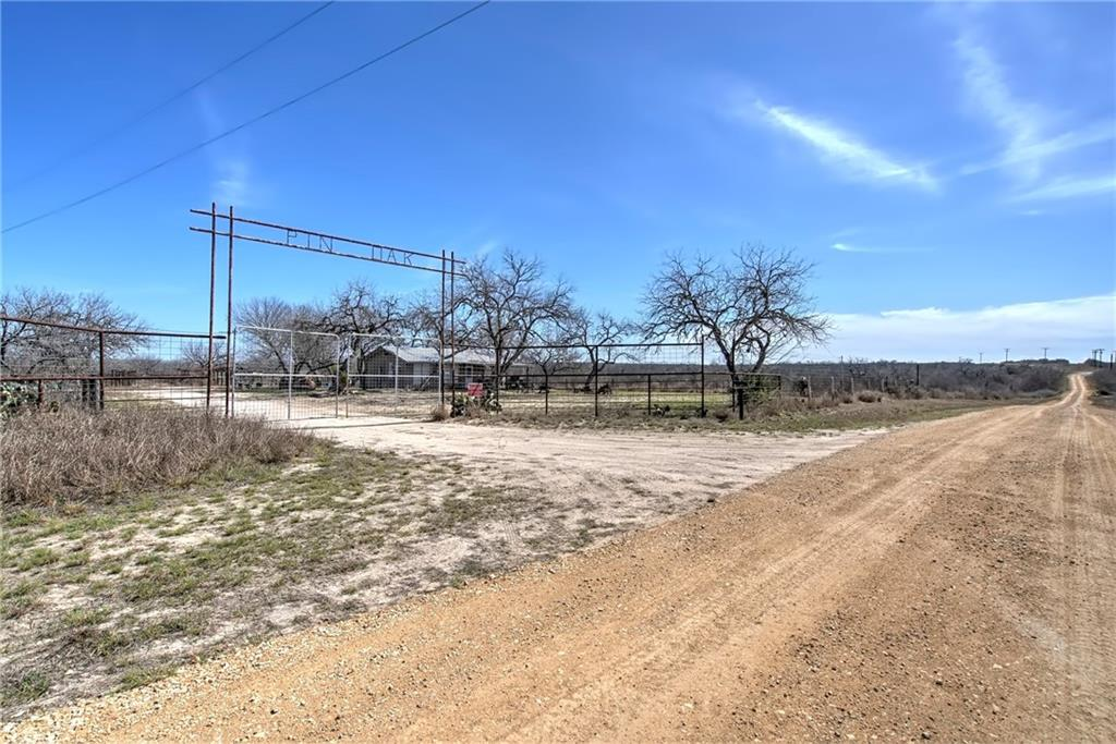 122 County Rd. 163 Property Photo - George West, TX real estate listing