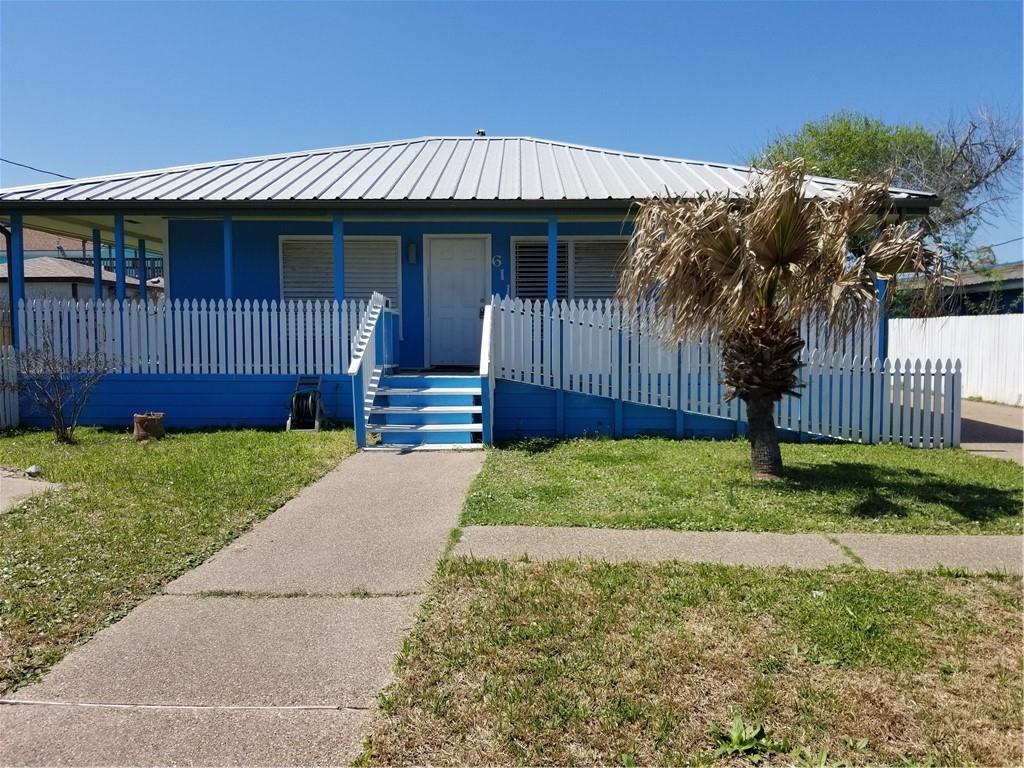 611 S Austin Street Property Photo