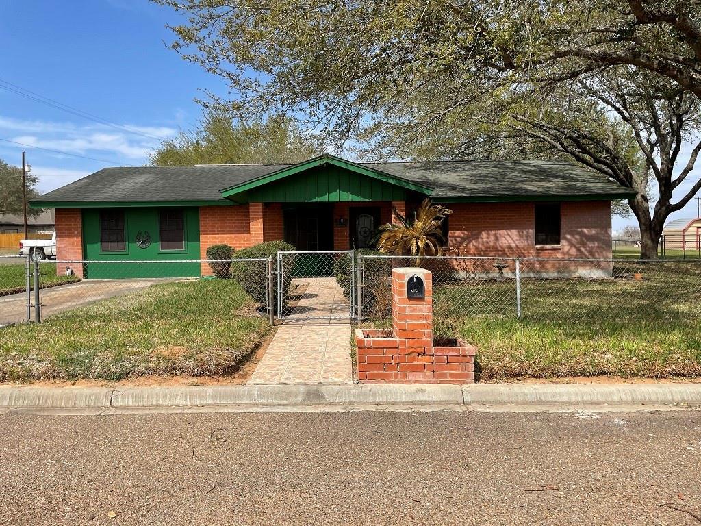 408 Gruy Street Property Photo - Hebbronville, TX real estate listing