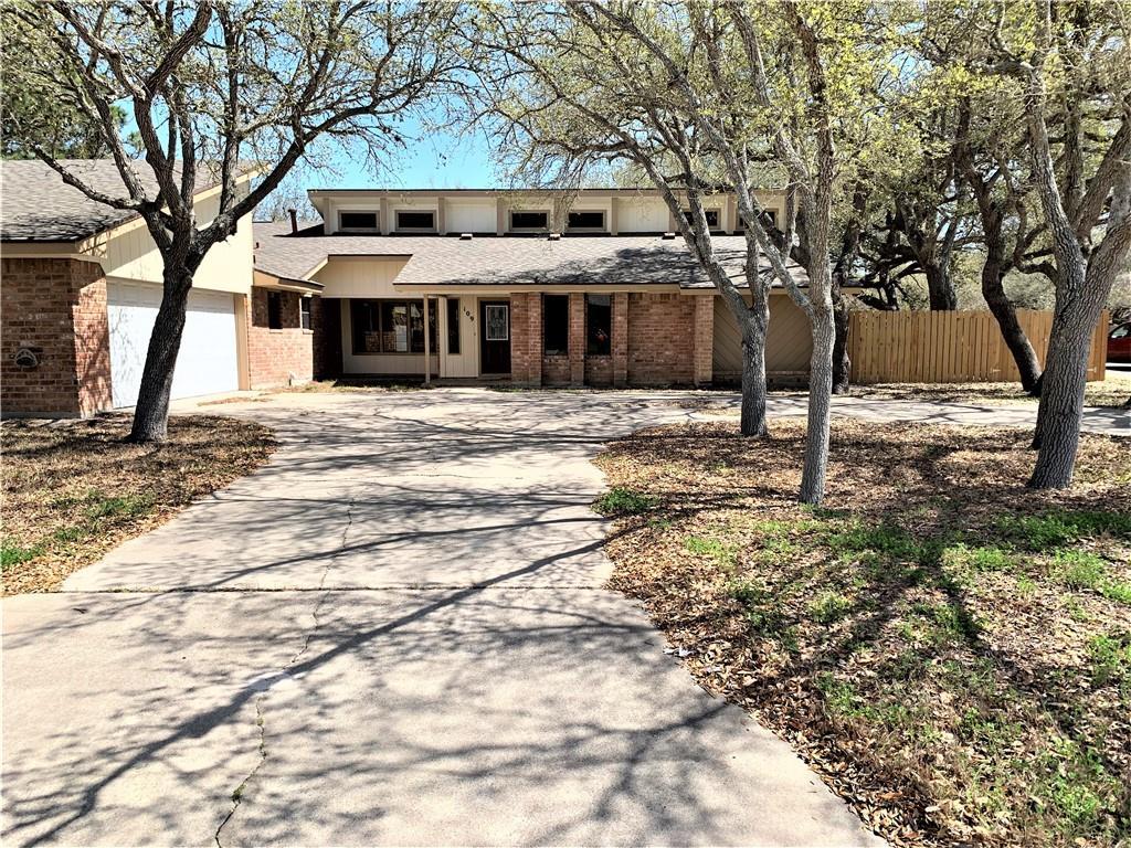 109 Wehring Lane Property Photo 1