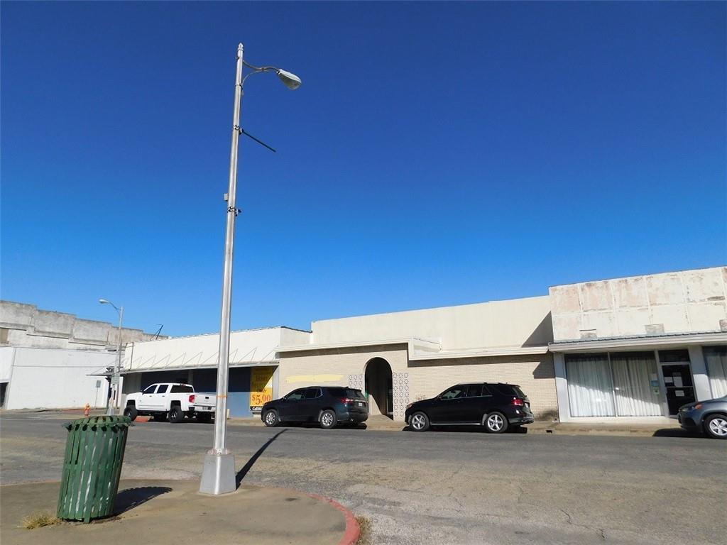 401/405 E Main Street Property Photo