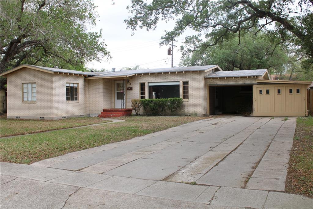922 E Main Street Property Photo 1