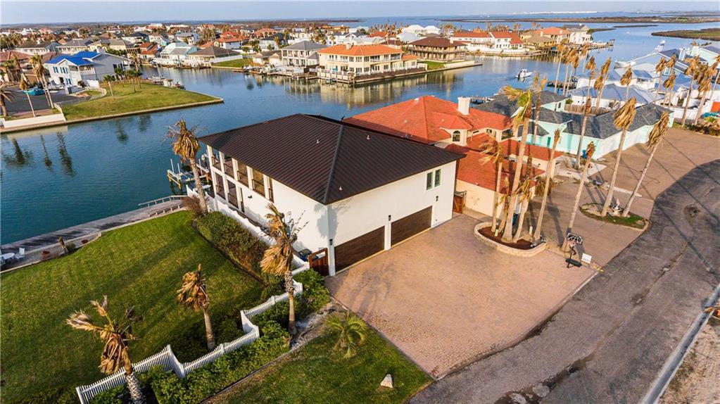 327 Piper Blvd Property Photo 1