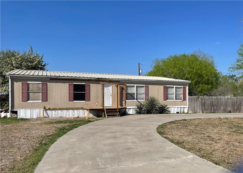703 Madison Property Photo