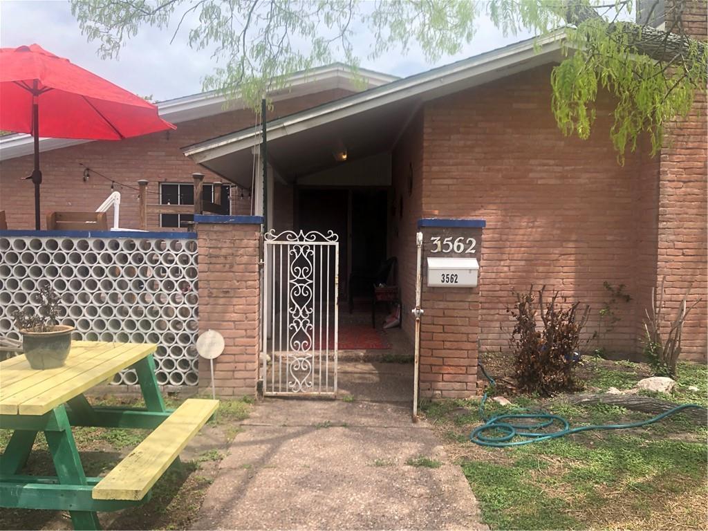 3562 Santa Fe Street Property Photo