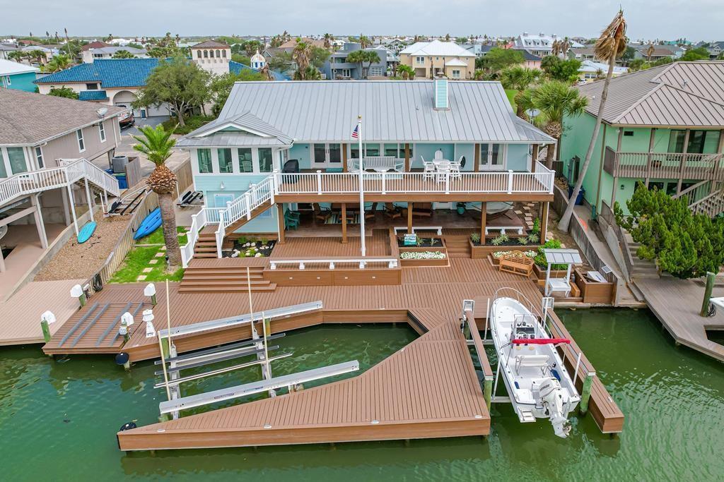 18 Blue Heron Drive Property Photo 1