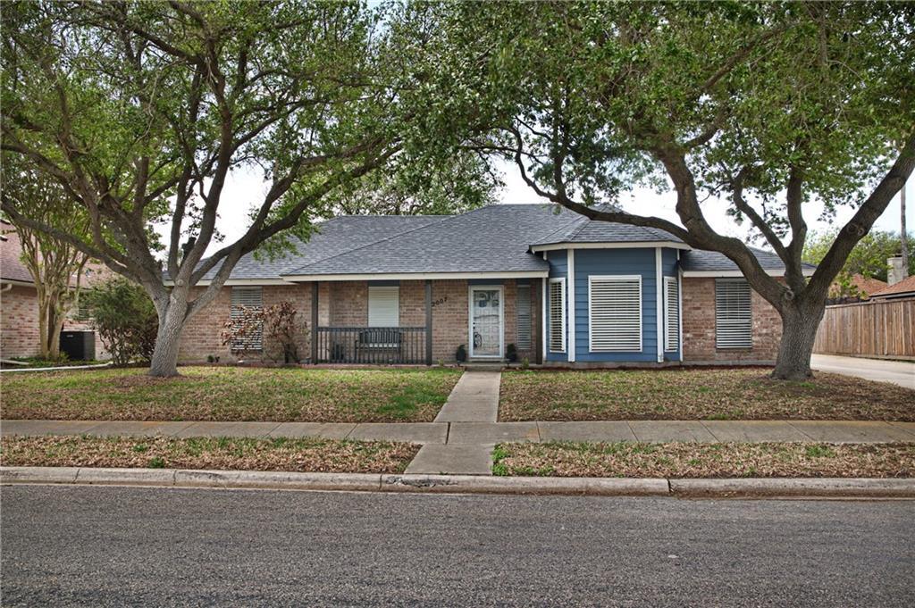 2007 Oak Leaf Drive Property Photo 1