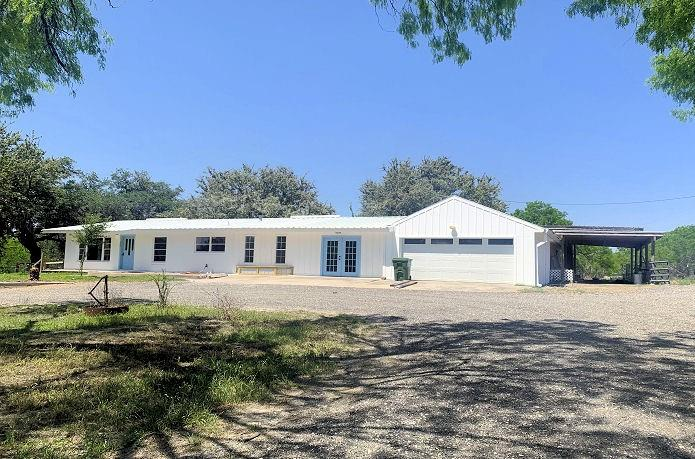 705 County Road 151 Property Photo - George West, TX real estate listing
