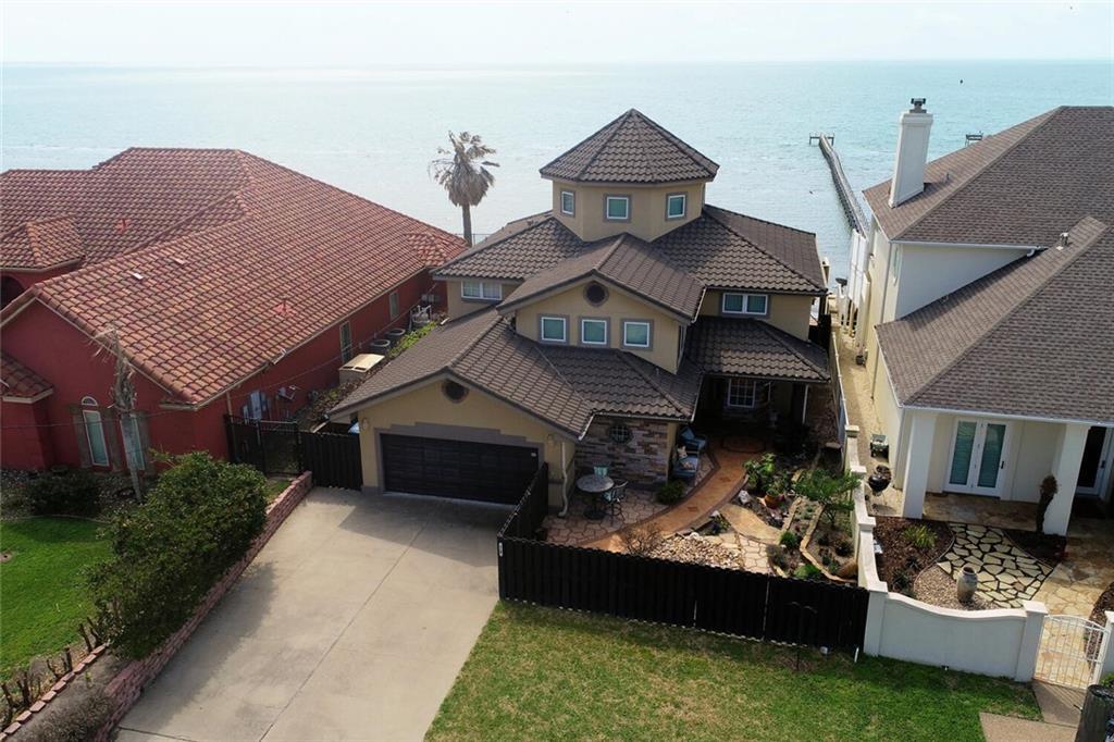 413 E Bayview Boulevard Property Photo 1