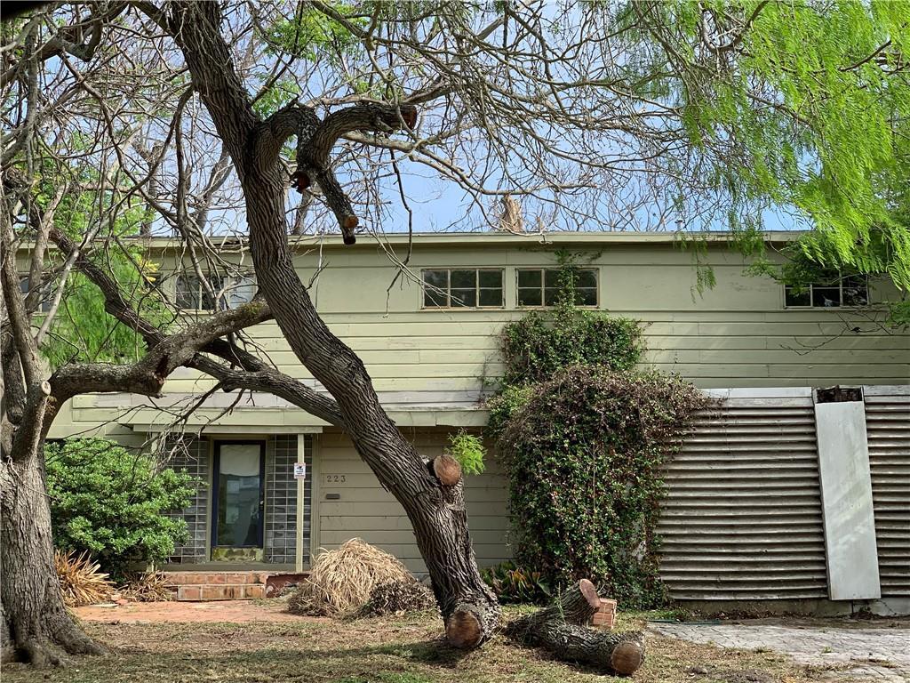 223 Rosebud Avenue Property Photo