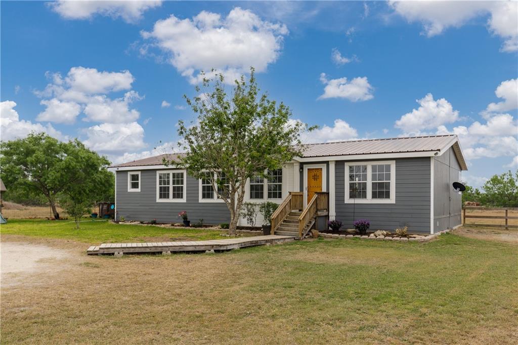 1582 W Fm 738 Property Photo 1