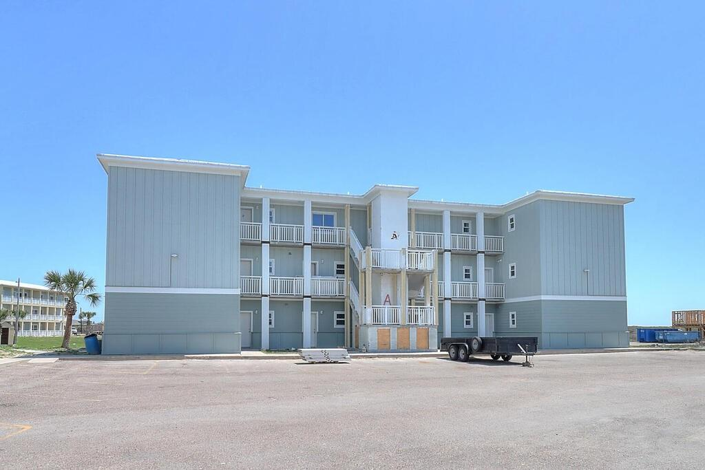 1107 11th Street E #7 Property Photo