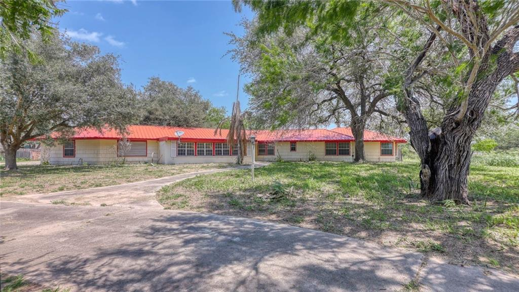 712 Taylor Property Photo - Falfurrias, TX real estate listing