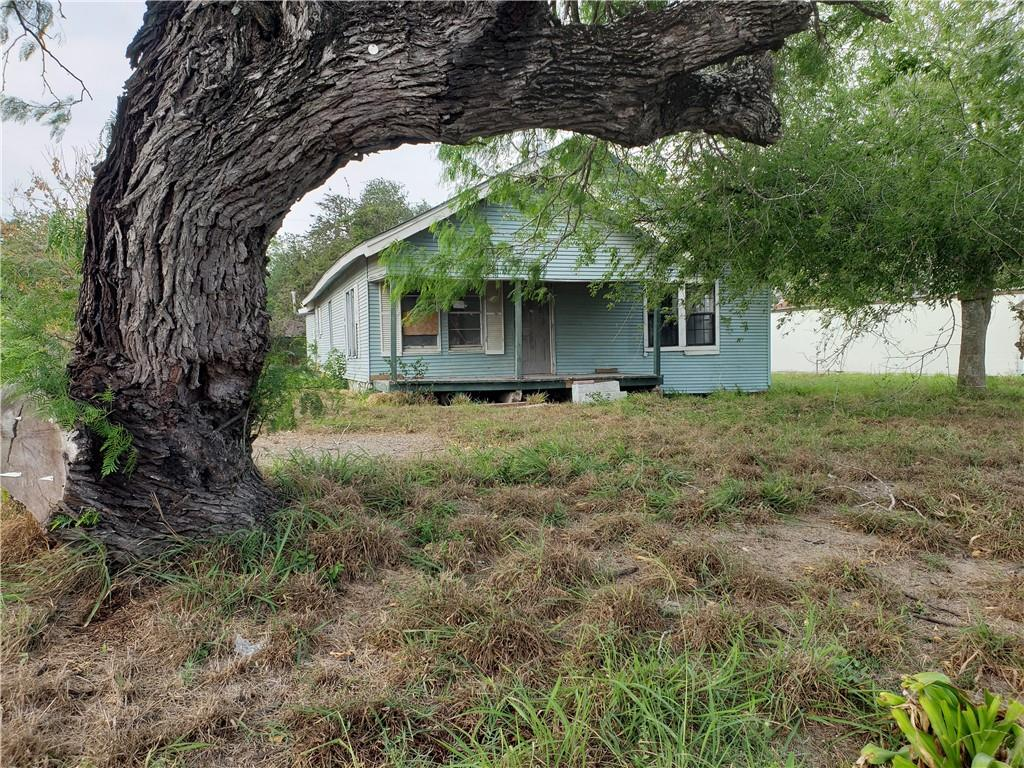 214 W Huisache Avenue Property Photo