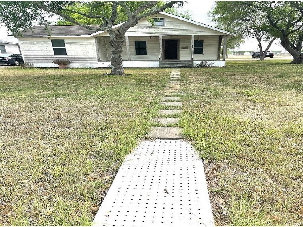 202 E Joyce Street Property Photo 1