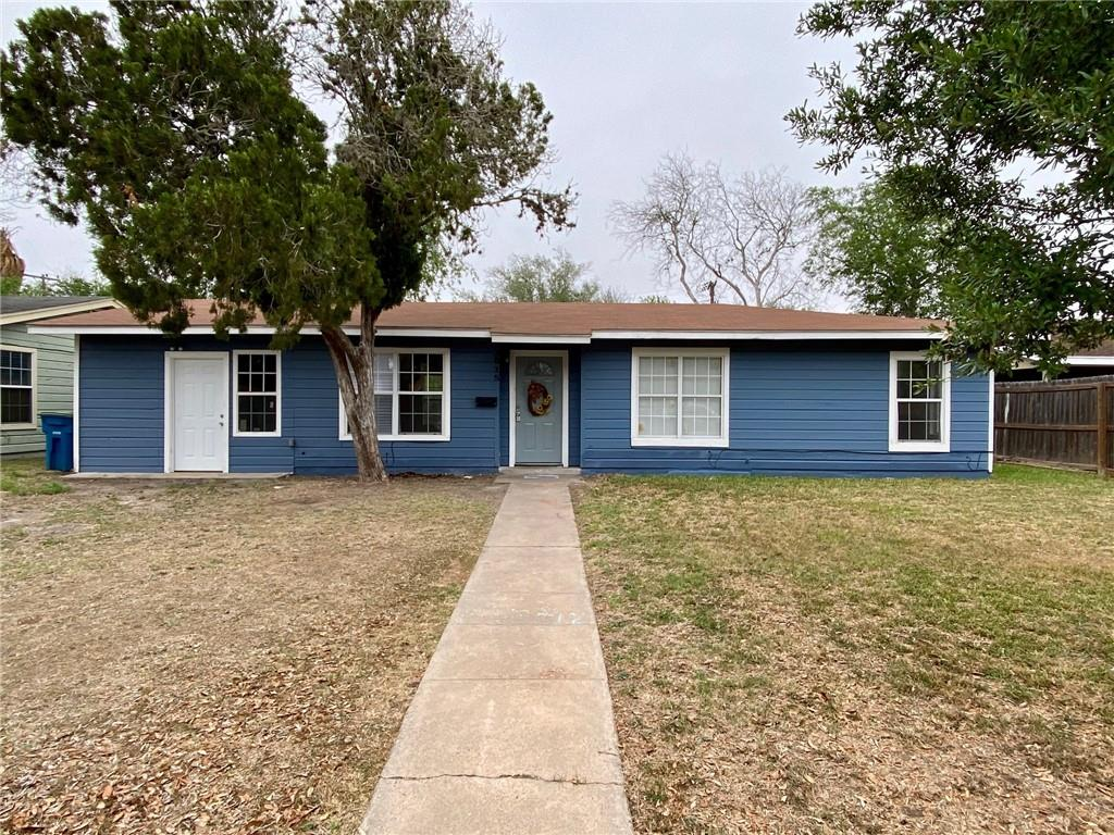 1015 E Randall Street Property Photo - Beeville, TX real estate listing