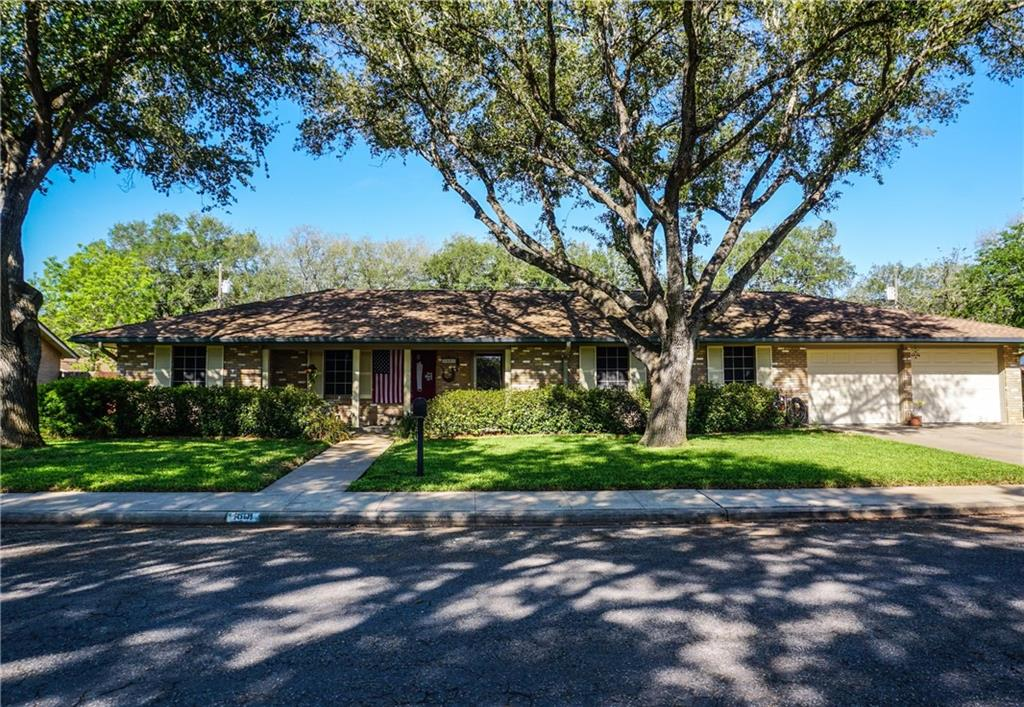 1601 Olmos Circle Property Photo - Alice, TX real estate listing
