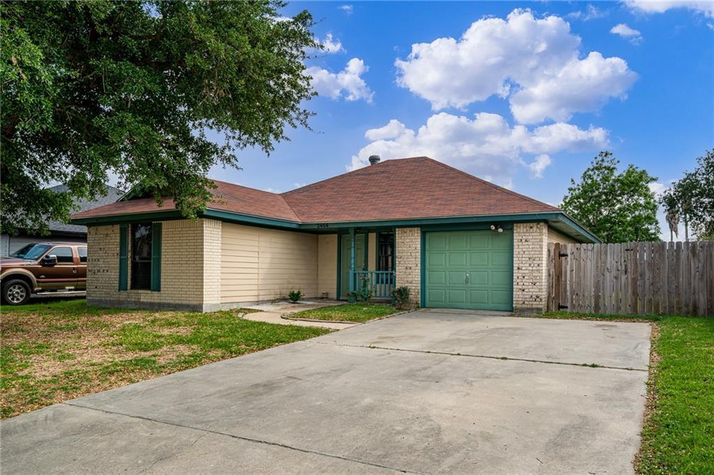 2404 Westlake Circle N Property Photo 1