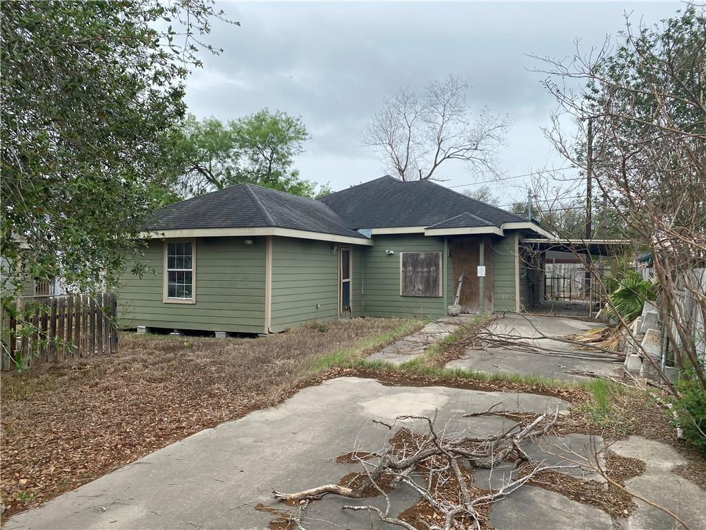 1221 E A Avenue Property Photo