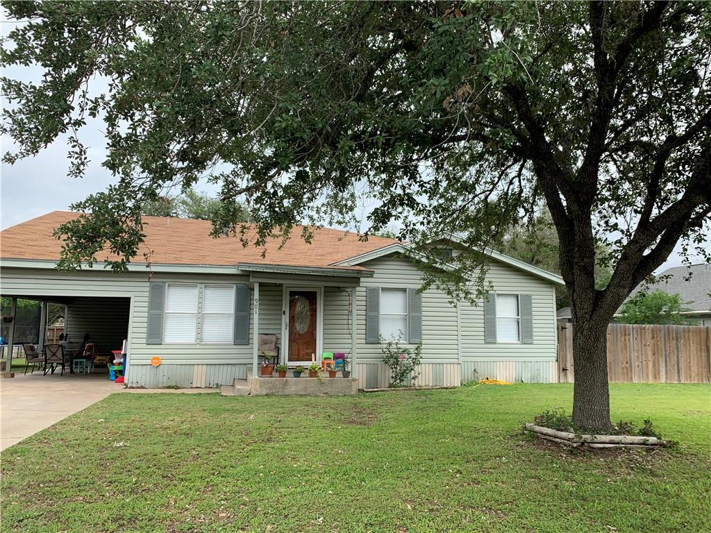 901 E Fannin Street Property Photo - Beeville, TX real estate listing