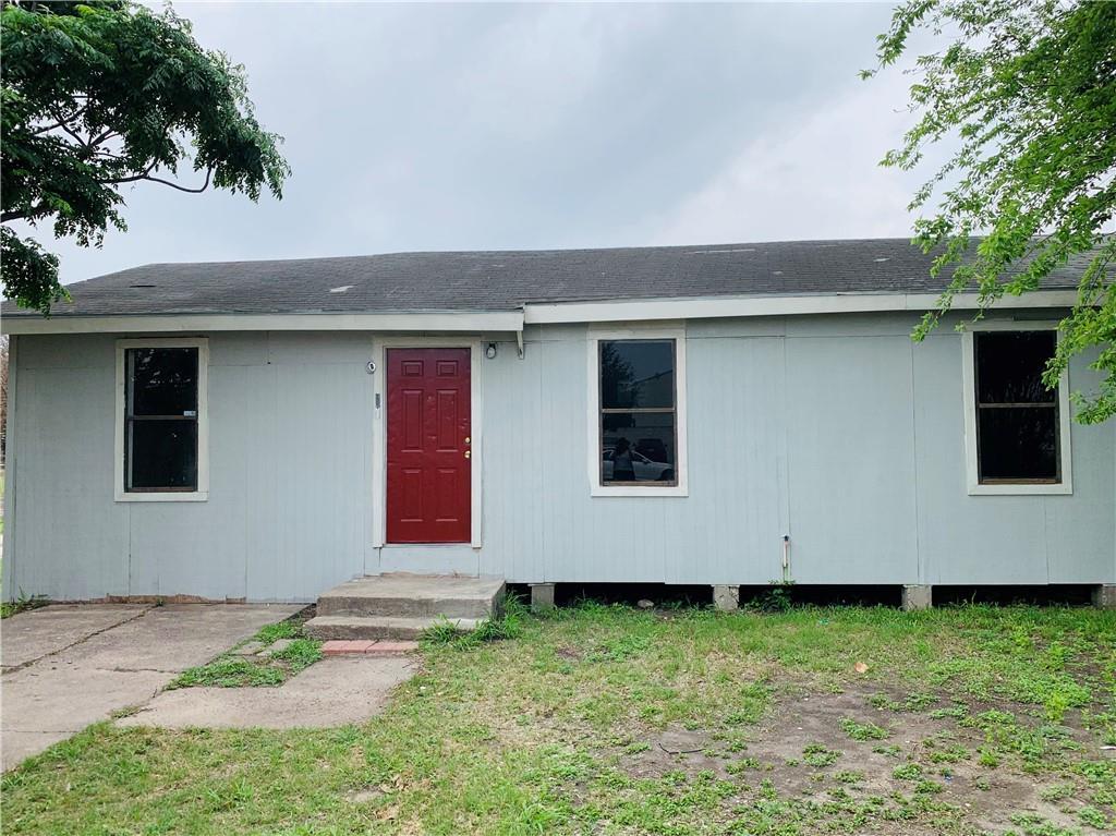135 W Avenue H Property Photo 1