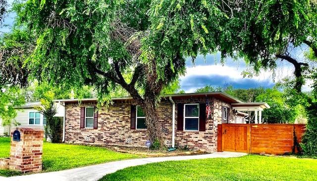 302 Laurel Drive Property Photo 1