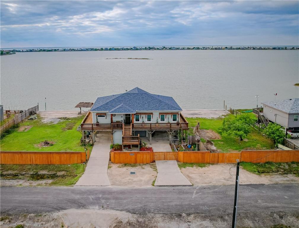 131 Lakeshore Property Photo 1