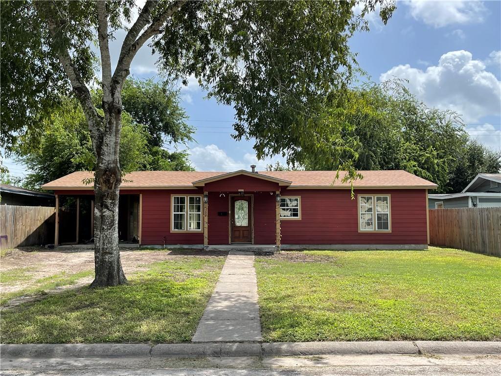 1302 N Hackberry Street Property Photo