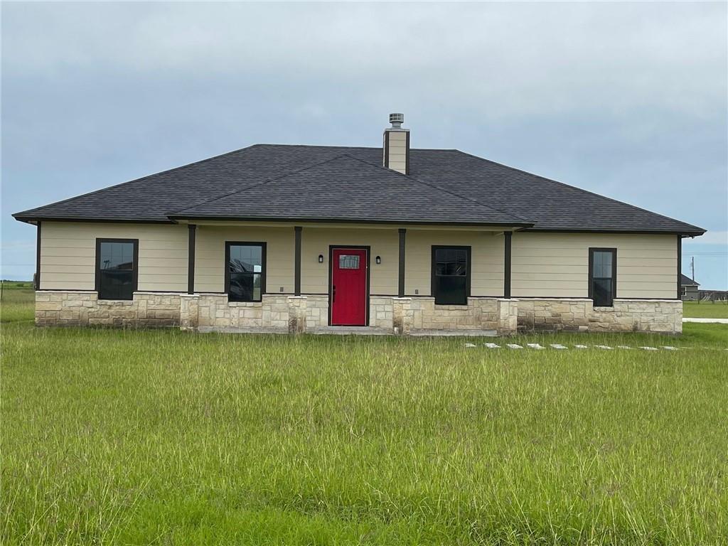 4451 S Oak Property Photo 1