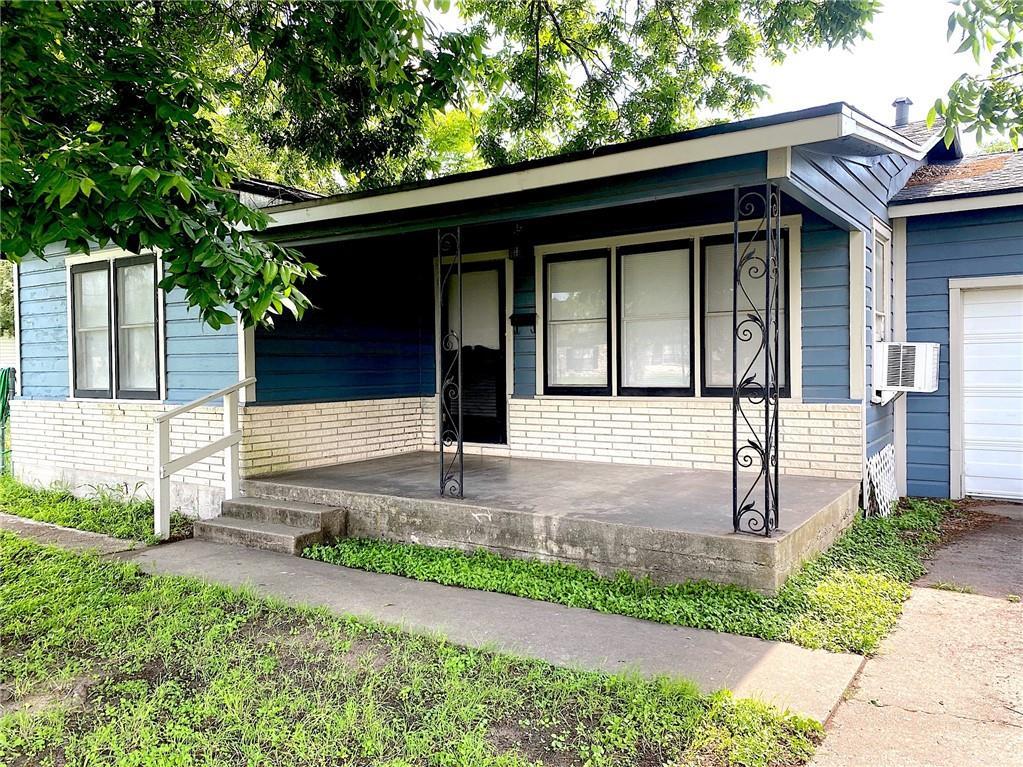 114 S Chiltipin Street Property Photo 1