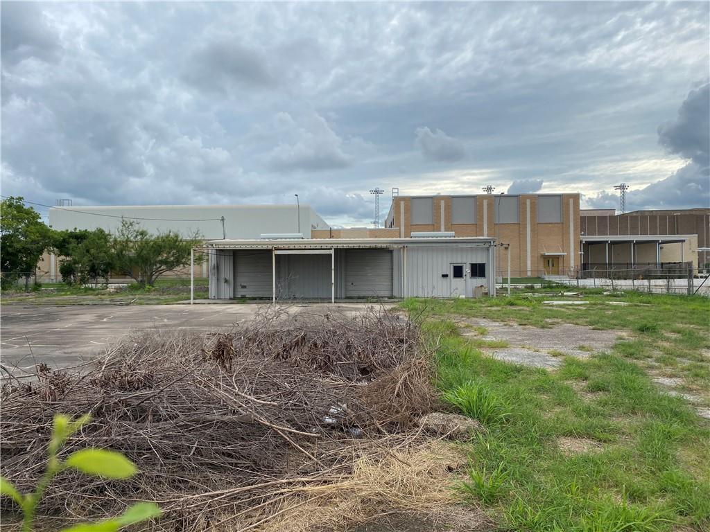 409 Palm Drive Property Photo