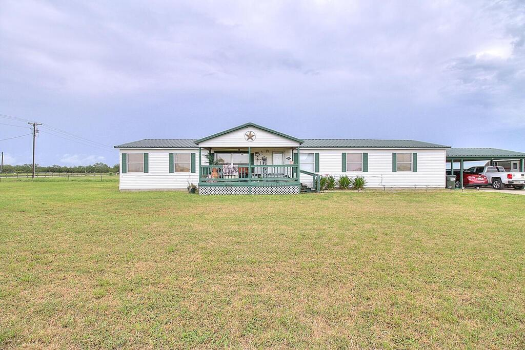 113 County Road 3101 Property Photo 1