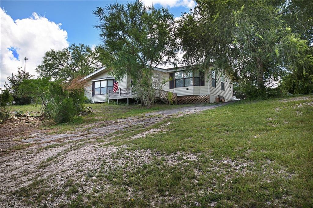 121 E Lake View Property Photo 1