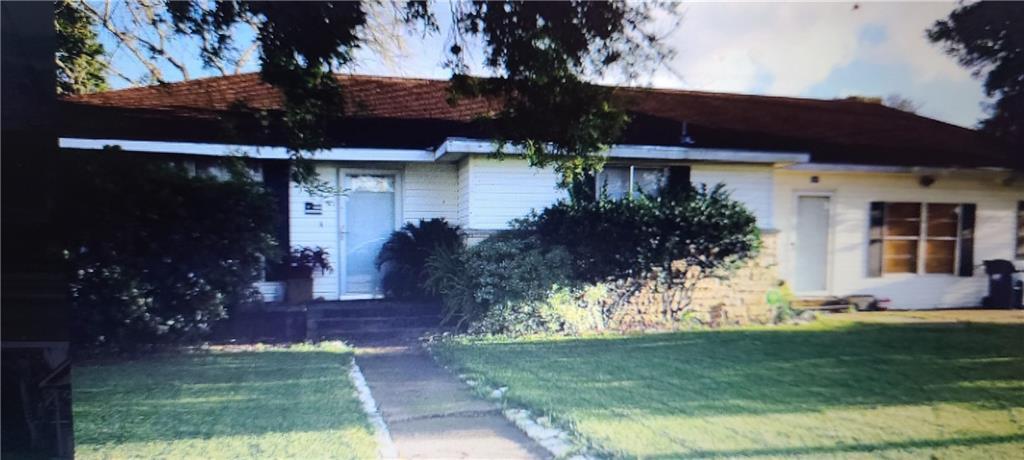 800 Wood Avenue Property Photo