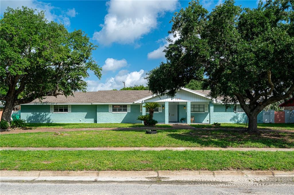 124 N Mccampbell Property Photo 1