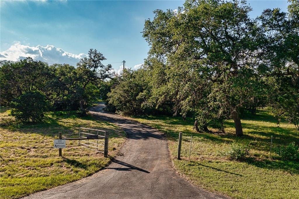 1377 Lone Oak Road Property Photo