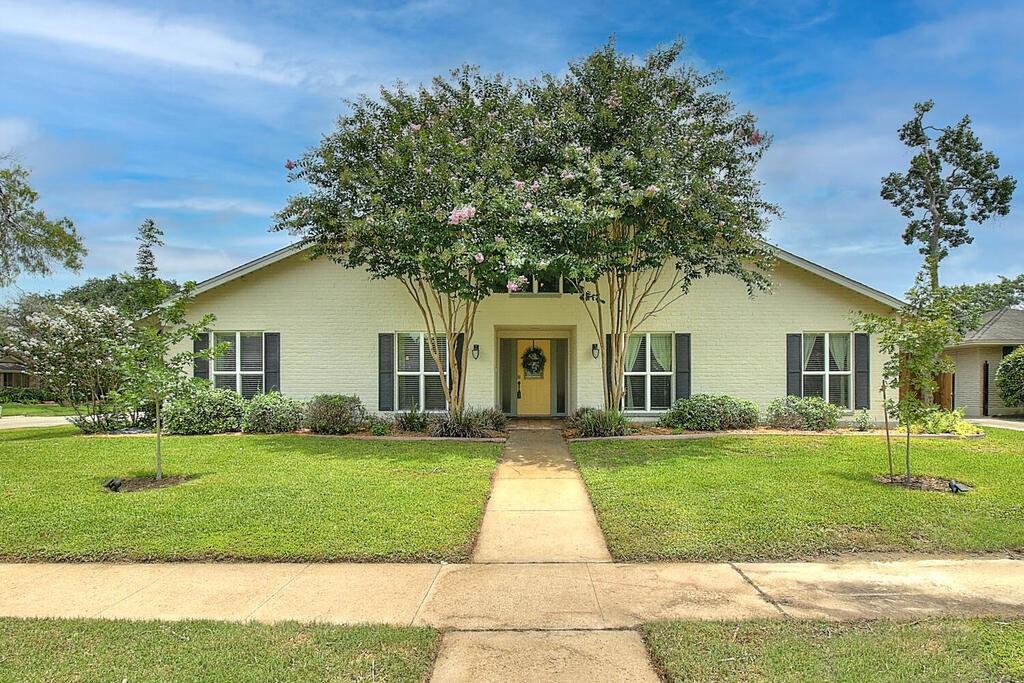 4825 Augusta Property Photo